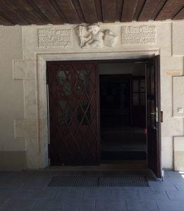 Eingang Neubau
